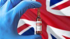 В Великобритании начали прививать третьей дозой вакцины от COVID-19