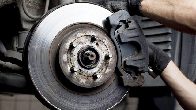 Компания АТЛ напомнила клиентам о необходимости проверить тормоза
